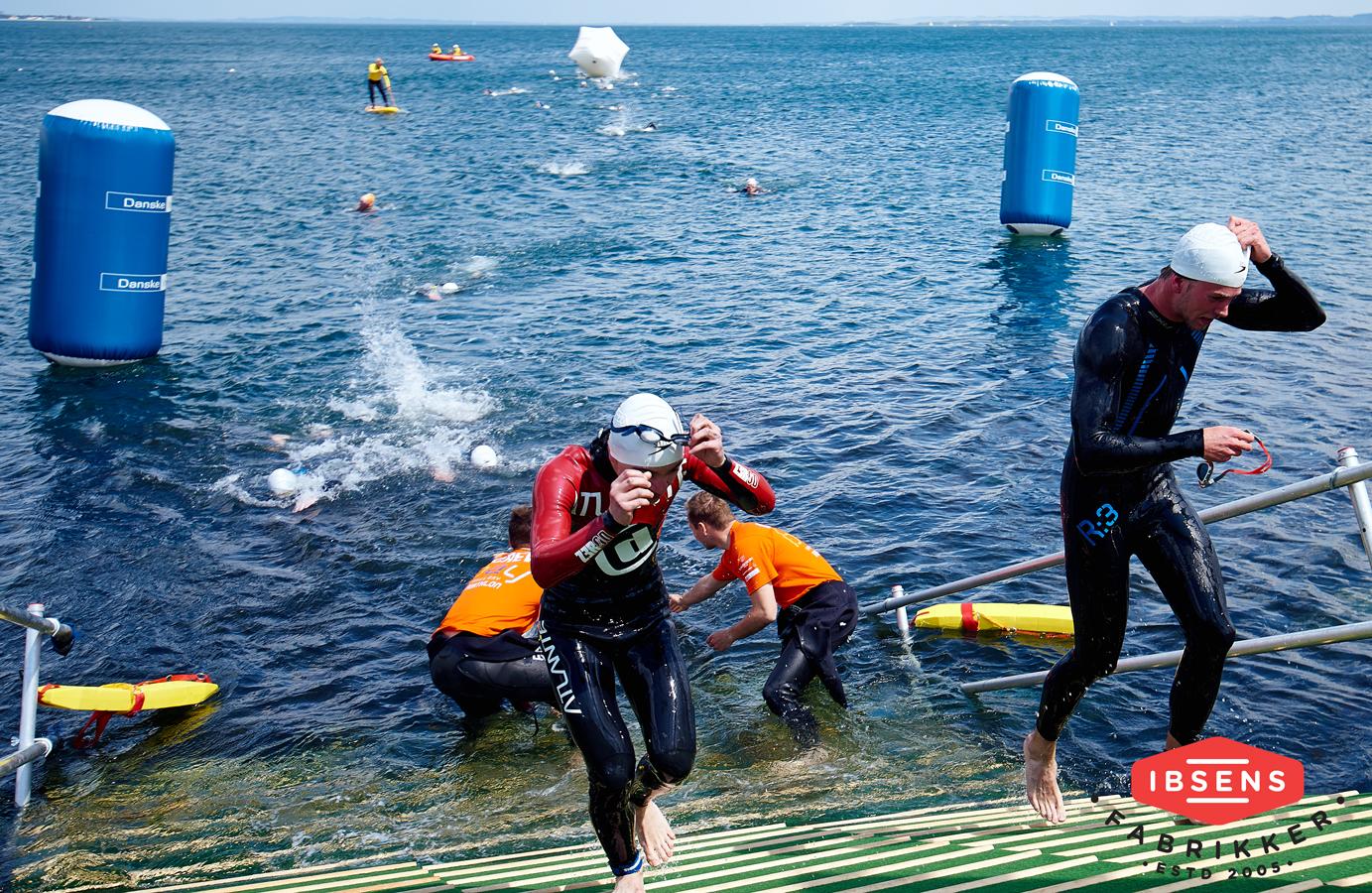 Till Aarhus Bay Triathlon gjorde sponsorerna deras brand synligt på vattnet.