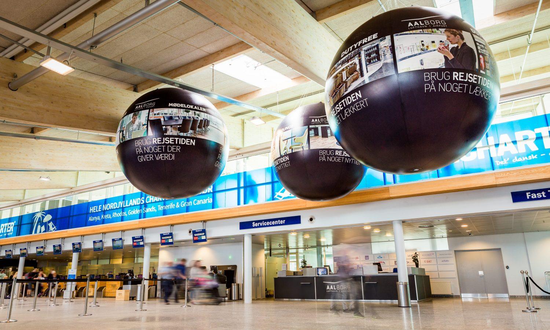 Svävande jätteballonger